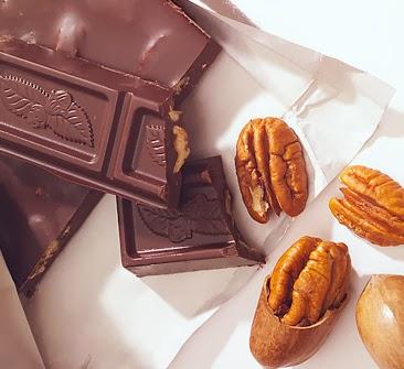 Kacang dan Coklat sebagai Makanan Tambahan